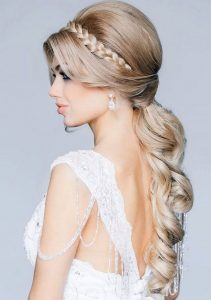 best-wedding-hairstyles-for-strapless-dresses